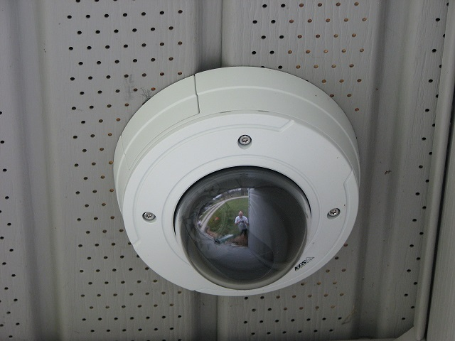 Axis P3364-VE Lightfinder Under Soffit