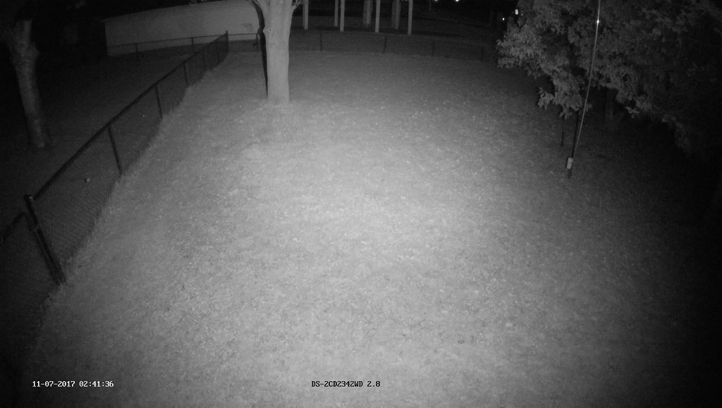 Hikvision DS-2CD2342WD with Tendelux AI4 IR on - night snapshot